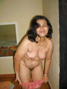 Desi Aunty stripping nude hairy pussy
