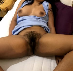 Desi Babe nude hairy pussy