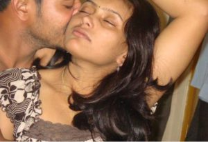 Desi Couple hot kiss