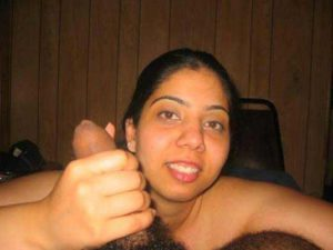 Desi girl Suck big cock hot nude
