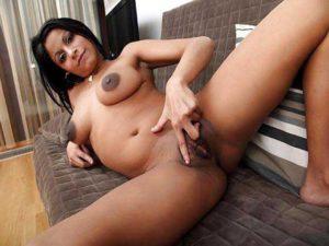 Hot Amateur Babe big tits fingering pussy