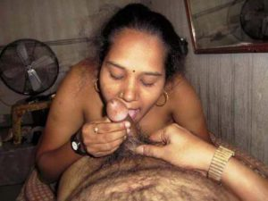 amateur indian bhabhi sucking desi dick