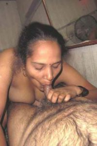 beautiful indian bhabhi giving blowjob
