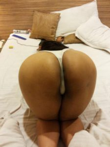 big round ass desi housewife naked pic