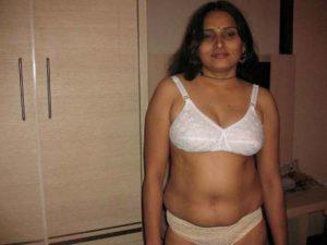 desi bhabi naked pic