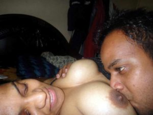 desi couple sucking big boobs