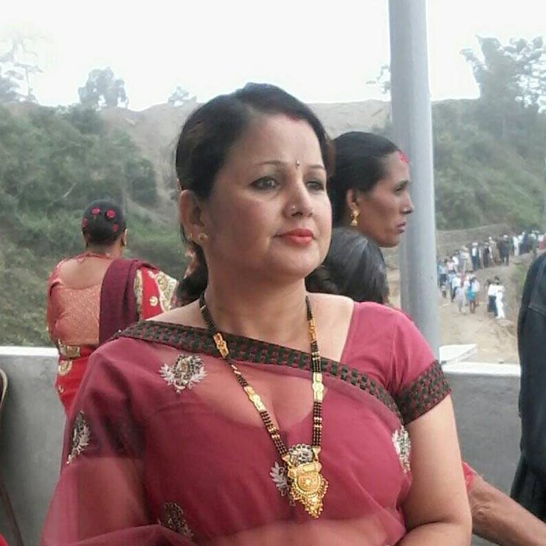 ... hot naked desi bhabhi deep cleavage
