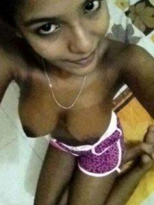 naked indian call centre girl xxx selfie 2