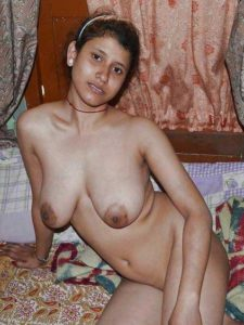Amateur Babe full nude hot pic