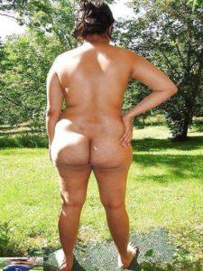 Amateur Bhabhi full nude big round ass pic