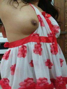 Amateur Bhabhi sexy nude boob pic