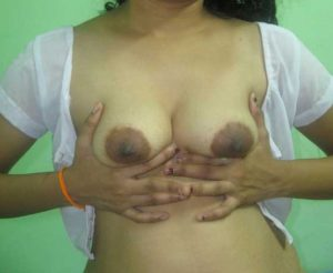 Amateur Girl show perky tits nude pic