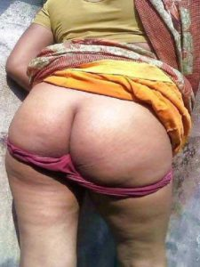 Desi Aunty hot nude big round ass pic