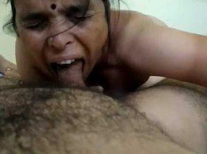 Desi Aunty suck big cock