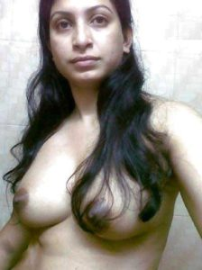 Desi Babe big boobs nude hot pic
