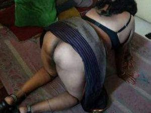 Desi Bhabhi big black ass nude