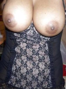 Desi Bhabhi big boobs nude hot pic