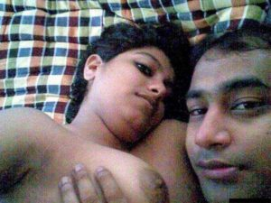 Desi Couple hot boobs nude selfie