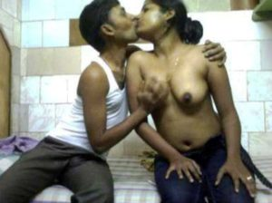 Desi Couple hot kissing boobs pressing pic