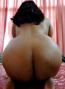 big round ass fat gf nude pic