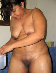 chubby desi indian bhabhi naked pic