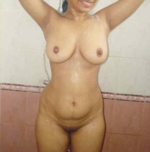 desi amateur housewife fully nude pic