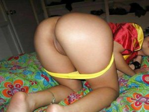 desi girl hot nude round ass in pic