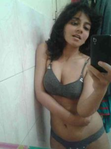 desi indian babe sexy selfie