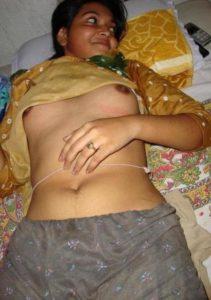 desi indian housewife ki nangi photo
