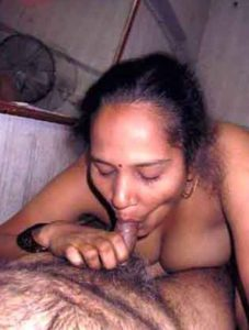 desi mature milf giving blowjob