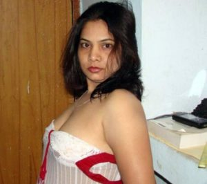 erotic desi milf nude photo