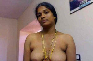 horny indian wife naked boobs pic