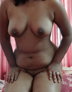 horny indian wife sexy boobs pic