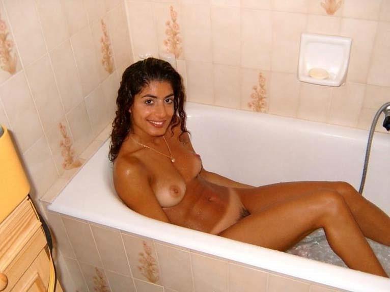 irish women naked self pics