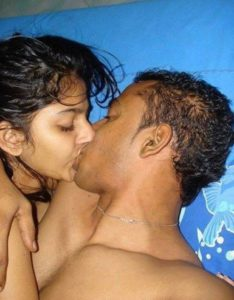 hot couple sex kisiing pic