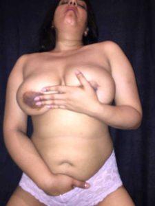 hot indian bhabhi round tits shaved pussy