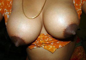 huge indian aunty naked pics