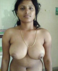 indian mature housewife round tits