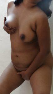 indian milf masturbation pic