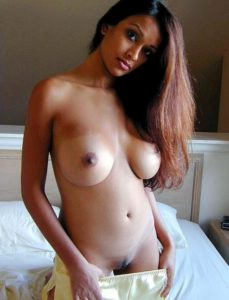 nude desi indian round boobs