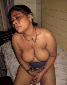 sexy desi milf nude pic