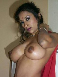 sexy desi milf nude private photo