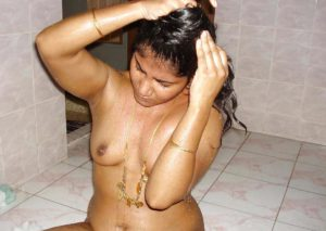 sexy indian chick girl naked bath