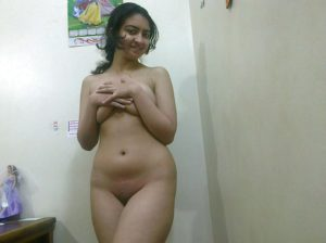 slutty indian hottie shaved pussy