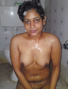 south indian tamil girlfriend nude bath image