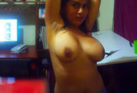 Desi aunty nude boobs pic