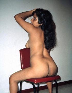 Desi bhabhi nude booty