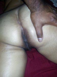 DesI nude booty pic