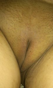 DESi clean shaved hor pussy