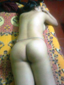 Desi ass nude pic